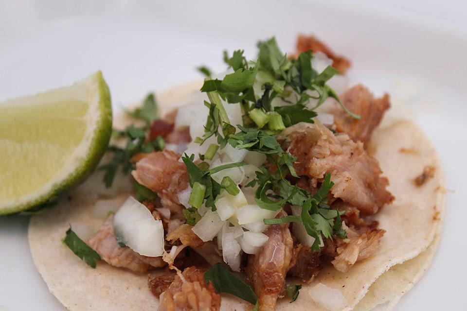 ¿Qué días y horarios tiene la taquería mexicana Chac Mool?